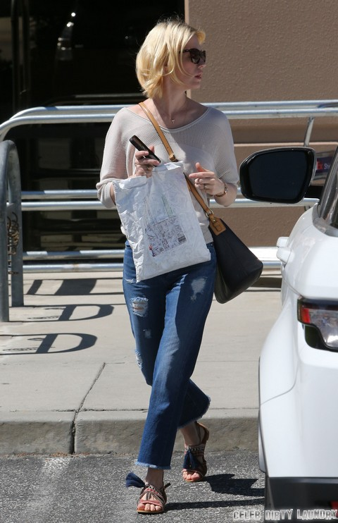 January Jones Trys To Hook Up With Orlando Bloom But He Rejects Her!