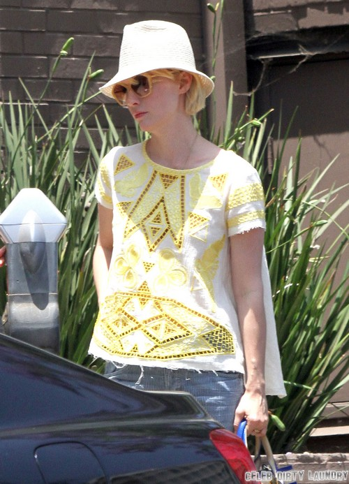 """January Jones """"Straddled"""" Liam Hemsworth At Party, Led To Miley Cyrus Engagement Breakup - Evidence At Last"""