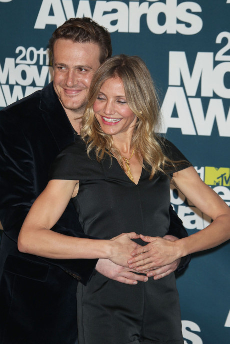 Jason Segel & Cameron Diaz Hot New Couple? Spotted On Super Cozy Date In The Hamptons!
