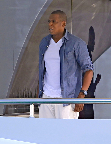 Jay-Z Announces Magna Carta Tour Dates: Entering Into Big Competition With Kanye West?