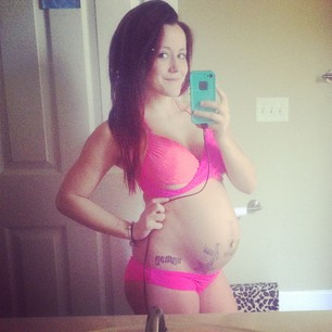 Jenelle Evans Posts Trashy Baby Bump Pic on Instagram – Nathan Griffith Freaks Out in Jail! (PHOTO)