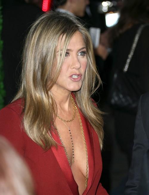 Jennifer Aniston Claims She's Over Angelina Jolie, Brad Pitt Love Triangle - Praises Unbroken