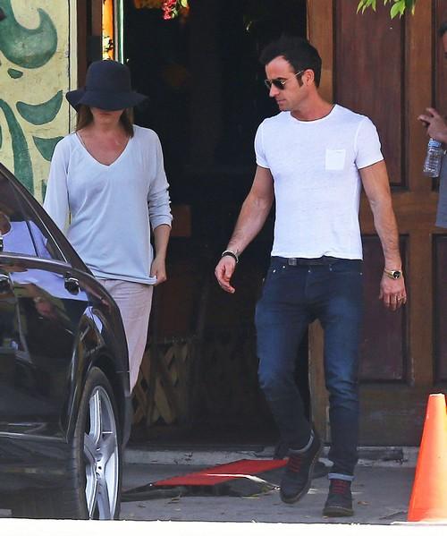Jennifer Aniston Jealous of Angelina Jolie and Brad Pitt's New Movie - Wants One With Justin Theorux?
