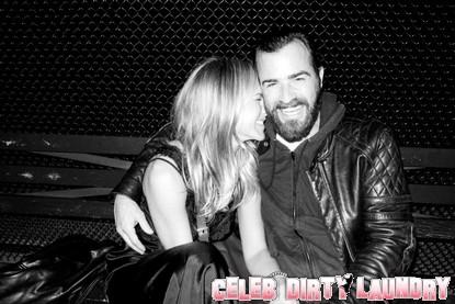 Jennifer Aniston & Justin Theroux Are Dating! (Photo)
