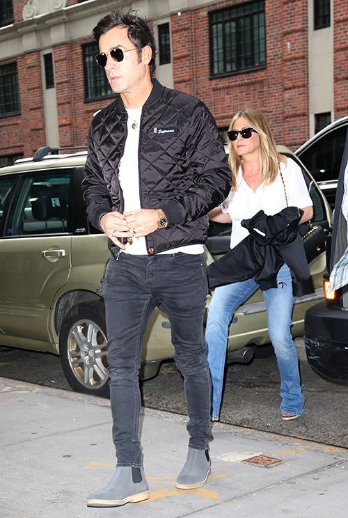 Jennifer Aniston Admits Membership To Mile-High Club: Justin Theroux Ashamed, Jen Had Sex In Airplane With Ex-Husband Brad Pitt?