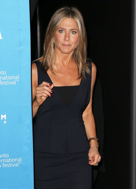 Jennifer Aniston's Naked Yoga Practice Responsible For Her Toned A-List Bod!