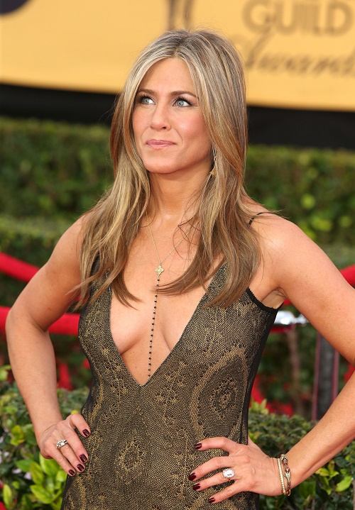 Jennifer Aniston Wedding 2015 In Mexico - Pregnant 'Friends' Star To Marry Justin Theroux Before Baby Bump Is Too Obvious