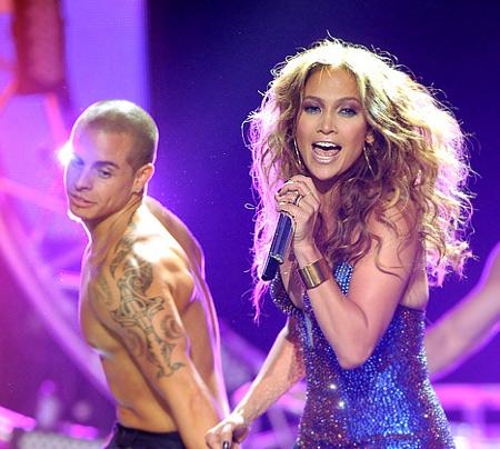 Jennifer Lopez Begs Casper Smart To Impregnate Her