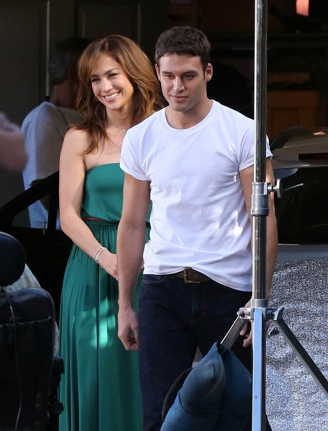 Jennifer Lopez In Love With Ryan Guzman: Thankful For Casper Smart Scandal And Breakup - Now Free To Be With Ryan!
