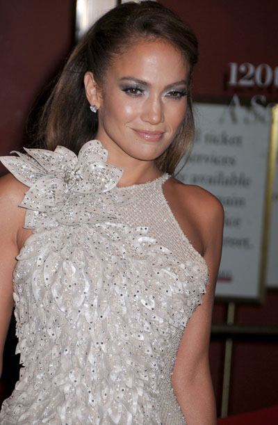 Report: Jennifer Lopez Is Paying Her Boyfriend Casper Smart $10,000 A Week