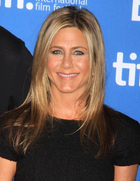 Jennifer Aniston wants to Jump all over Channing Tatum in Her Next Movie - Begs for Him to be Her Future Leading Man!