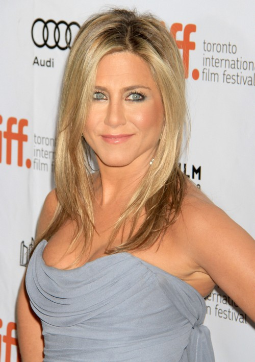 Jennifer Aniston Eats Placenta Chips and Pills To Look Younger
