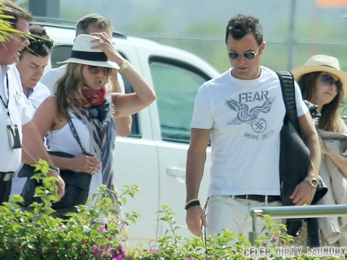 Jennifer Anistons Wedding Jitters and Cold Feet: Chelsea Handler Tells Her Not To Trust Justin Theroux