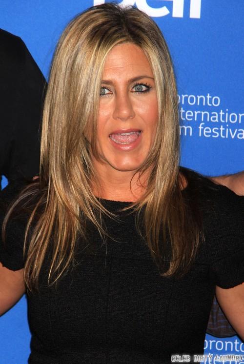 Jennifer Aniston NOT Pregnant - Drinks White Wine, Shuts Down Pregnancy Rumors