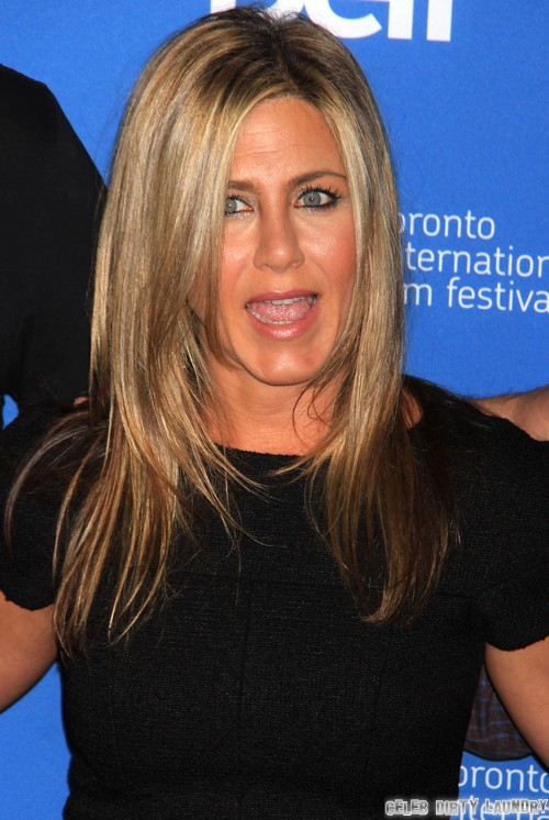 Jennifer Aniston NOT Pregnant - Drinks White Wine, Shuts Down Pregnancy Rumors