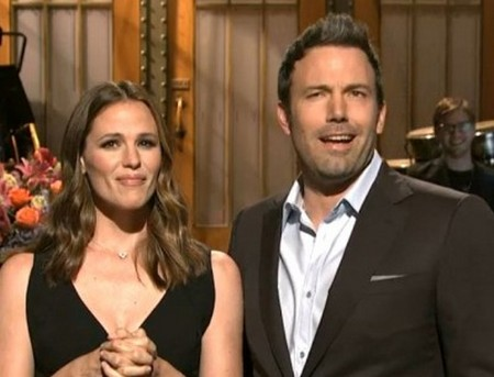 Ben Affleck and Jennifer Garner On Saturday Night Live: Can't Even Pretend to Be In Love - Did He Make Her Do It? (Video)