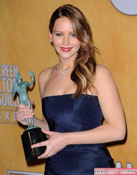 Jennifer Lawrence DOUBLE Nip Slip Wardrobe Malfunction (PHOTO)
