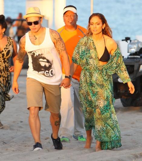 Jennifer Lopez Created A Monster Diva, Casper Smart Thinks He's The New P Diddy 0509