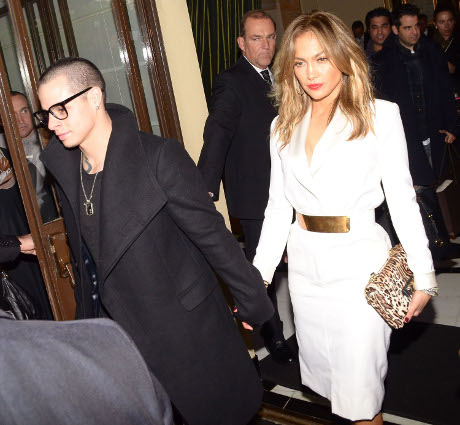 Casper Smart Terrified Jennifer Lopez Is Cheating On Him With Pitbull!
