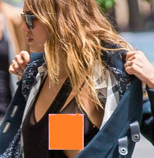 Jessica Alba Flashes Boob In Wadrobe Malfunction Nip Slip After Met Gala