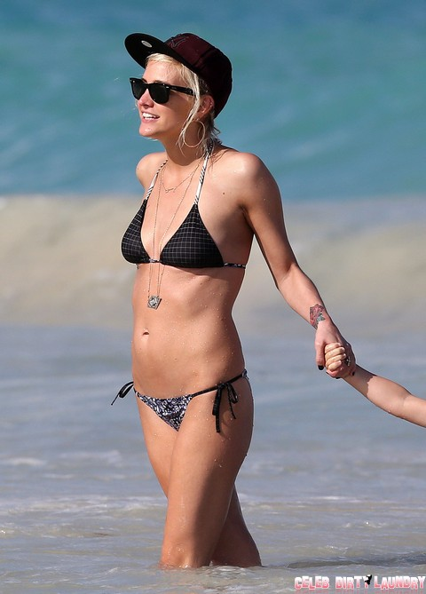 Jessica Simpson Jealous As Eric Johnson Checks Out Bikini Babe Ashlee Simpson (Photos)