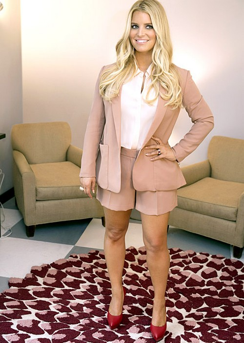Jessica Simpson's Official Weight Watchers Shoot - Photoshopped Again (PHOTO)
