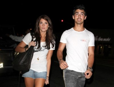 Joe Jonas Almost Arrested Over Knives?