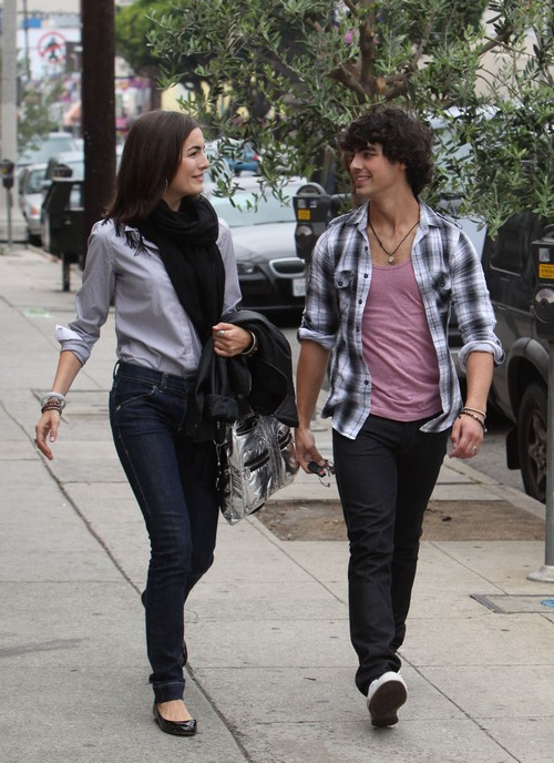 Joe Jonas and Ex-Girlfriend Camilla Belle Hook Up, Trying To Ditch Heroin and Blanda Eggenschwiler?