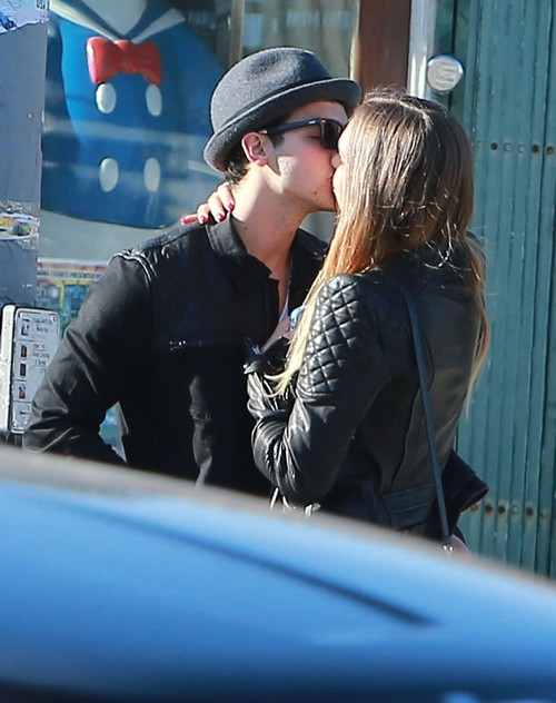 Joe Jonas Allegedly Addicted To Heroin With Blanda Eggenshwiler - Jonas Brothers and Family Refuse To Send Him To Rehab