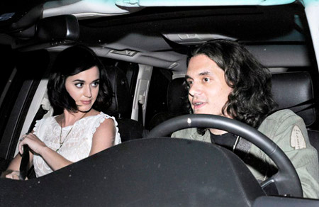 John Mayer using Katy Perry as Bait to get Closer to Rihanna!