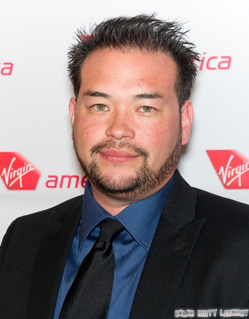 Jon Gosselin Shoots Gun While Threatening Photographer and Chasing Her Off His Property