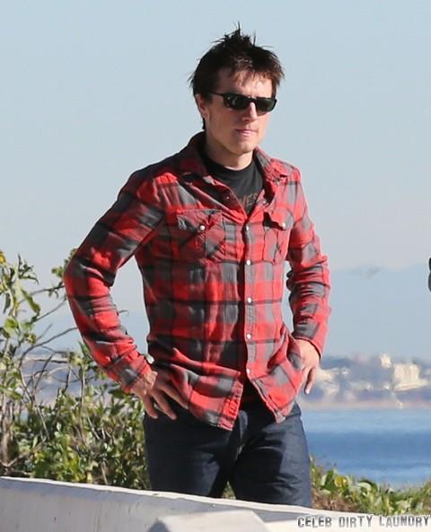 Josh Hutcherson Bullied By Male Fans at LAX (Video)