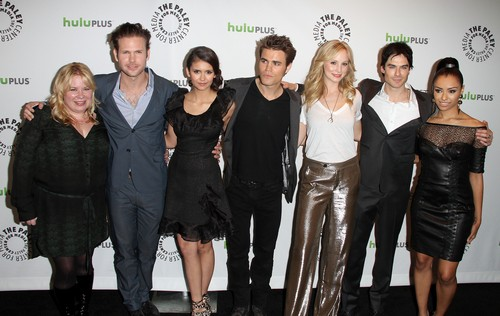 "Ian Somerhalder Fears ""The Originals"" Will Destoy ""The Vampire Diaries"" - Hates Losing ""Pretty People Who Can Act"""