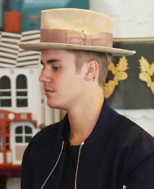 Justin Bieber Reaction To Selena Hookup Zedd