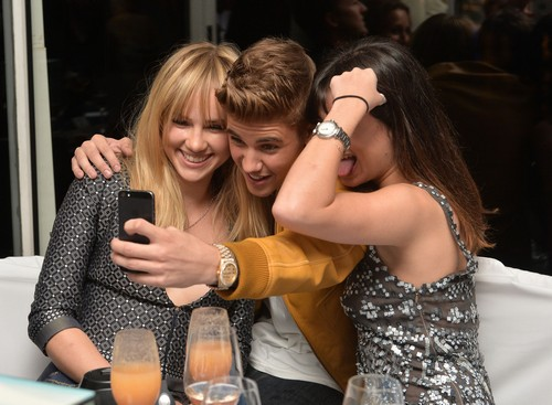 Jennifer Lawrence Asks to Meet Justin Bieber at Cannes Party - Selena Gomez Jealous?