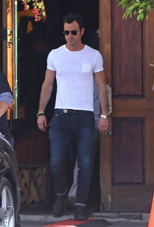 Justin Theroux Abandons Jennifer Ansiton For Emmy 2014 After-Party - Big Ring Break-Up?