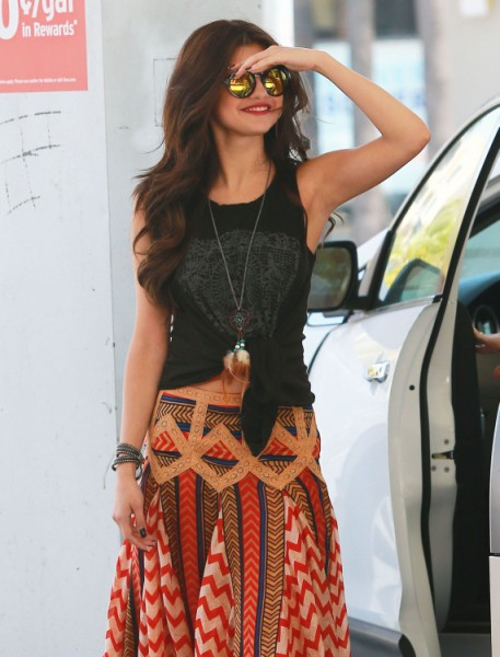 Selena Gomez And Ed Sheeran Dating; Taylor Swift Keeping Her Away From Justin Bieber 0620