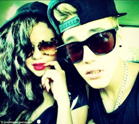 Justin Bieber And Selena Gomez Back Together For Fourth Of July - Will It Last This Time? (PHOTOS) 0705