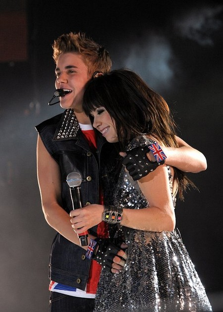 Justin Bieber and Carly Rae Jepsen Falling In Love and Cheating on Selena Gomez?