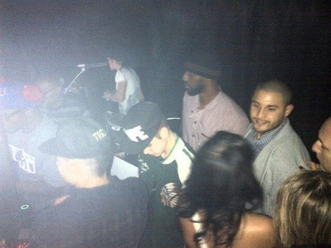 Justin Bieber Cheats On Selena Gomez Again – Eyewitness Account At His Hotel