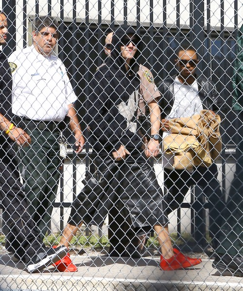 Justin Bieber's Plane Stopped, Justin Held At US Customs - Weeks Away From Being Deported?