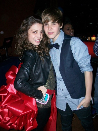 Justin Bieber Back With Jacque Pyles - Dinner Date With Ex-Girlfriend During MTV VMA's?