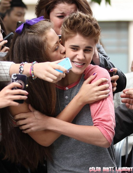 Justin Bieber Kissing Fans – End Of Selena Gomez?