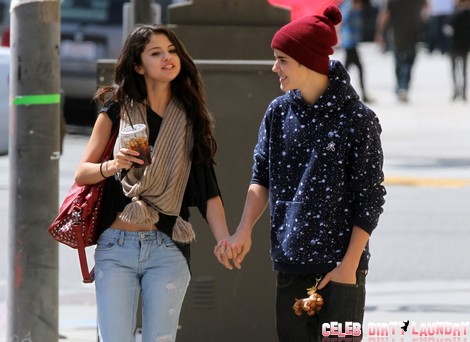 Justin Bieber and Selena Gomez Thanksgiving Special – Full Details!