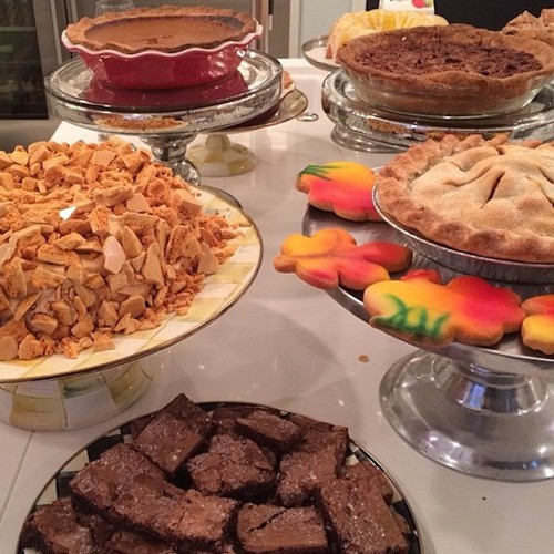 Kim Kardashian and Kanye West Snub Kris Kenner and Khloe's Thanksgiving Dinner (PHOTOS)