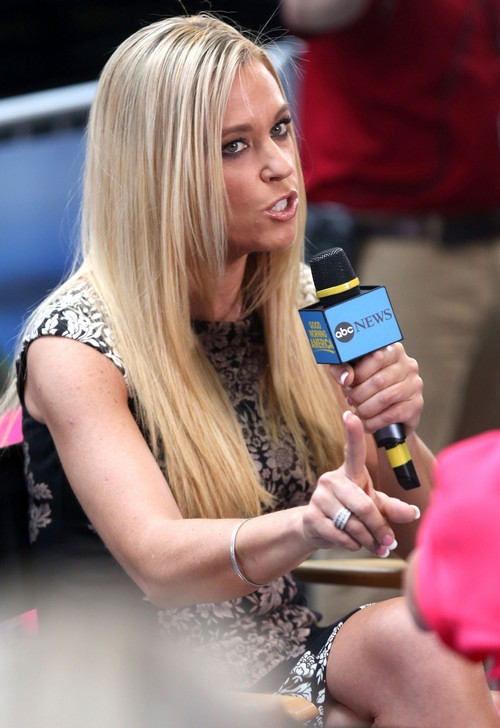 Kate Gosselin Demands Nanny Spy On Jon Gosselin's Conversations With Her Kids - Of Course!