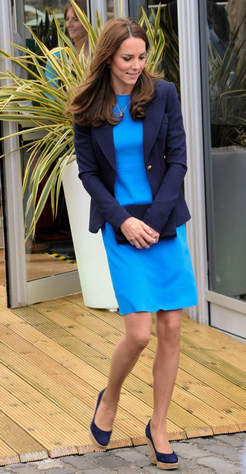 Kate Middleton Pregnant or Adopting: Fights Queen Elizabeth Over Pregnancy Wants To ADOPT Second Child