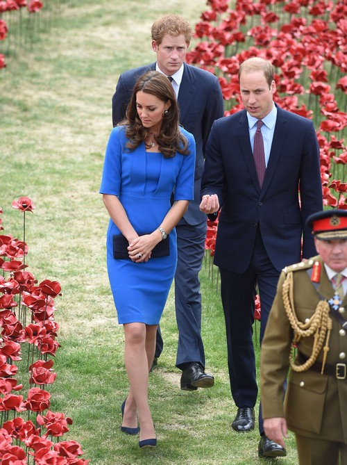 Kate Middleton Pregnant Miscarriage Reports: NO Second Child Pregnancy or Baby Bump Confirmed by Italian Wedding Trip (PHOTOS)
