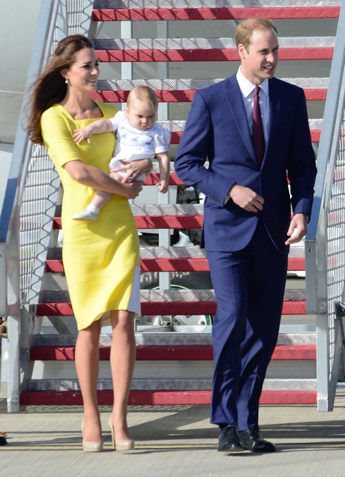 Kate Middleton: Baby Prince George's Stalker Forces Prince William's Legal Action - Queen Elizabeth Livid!
