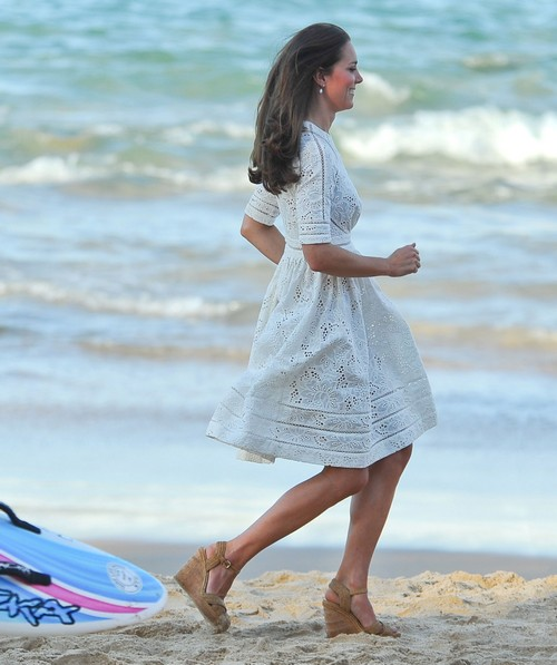 Was Kate Middleton's Bare Bum No Underwear Butt Exposure Accidentally on Purpose? (PHOTO)